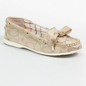 Coach Carisa Signature Logo Boat Shoe Loafers 7